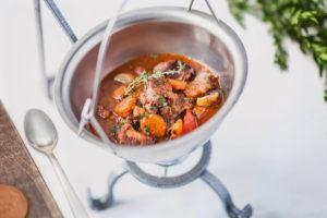 Zupa Myśliwska z dziczyzną, papryką i specjałami lasu