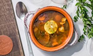 Stara słowiańska zupa Solanka